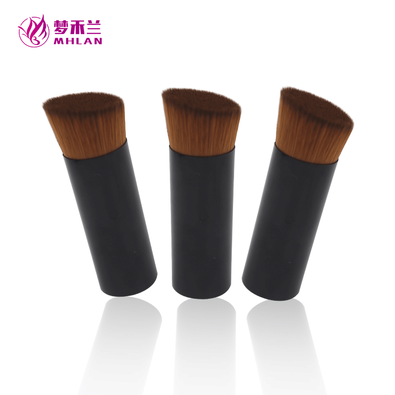 Single short bevel angle cosmetic brush
